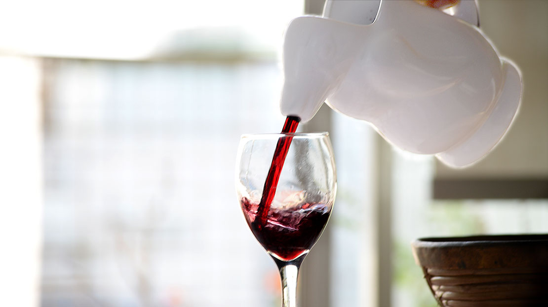 ペンギンと赤ワインの冷やかで情熱的な関係